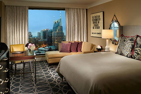 Omni_Nashville_Classic_Deluxe_Room_King_Bed