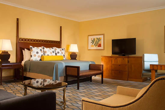 Omni_Orlando_Resort_Suite_Studio_King_Bed