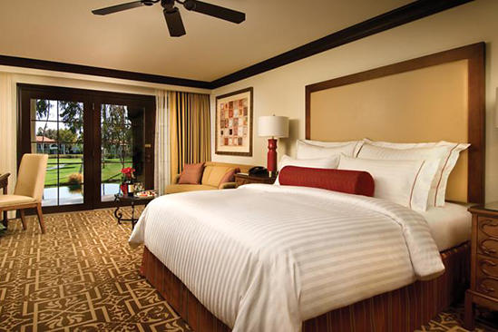 Omni_Rancho_Lake_View_1_King_Bed