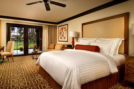 Omni_Rancho_Vista_View_Room_King_Bed