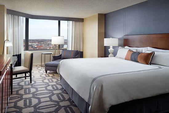 omni-richmond-Premier-king-room