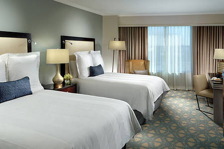 Omni_Riverfront_Accessible_Deluxe_Room_1_King_Bed