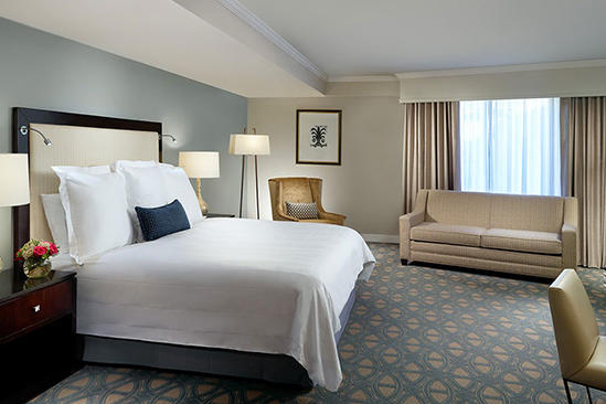 Omni_Riverfront_Premier_Historical_Room_King_Bed
