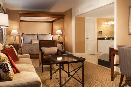 Omni_Royal_Orleans_Jacuzzi_ suite _1_King_Bed
