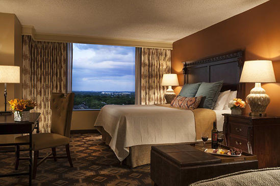 Omni_San_Antonio_Spacious_Premier_Room_King_Bed