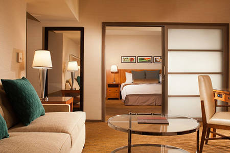 Omni_San_Diego_Spacious_Executive_Suite_King_Bed