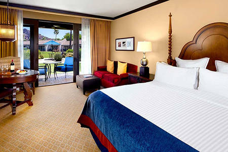 Omni_ 斯科茨代尔 _One_Bedroom_Full_Camelback_Mountain_View_Suite_1_King_Bed