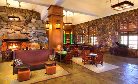 Omni _ Grove _ Park _ Inn _ The _ Great _ Hall _ Bar