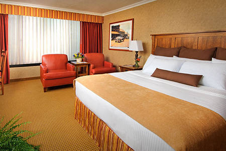 The_Omni_Grove_Resort_Room_2_Double_Beds