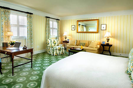 The_Omni_Homestead_Premier_Room_1_King_Bed