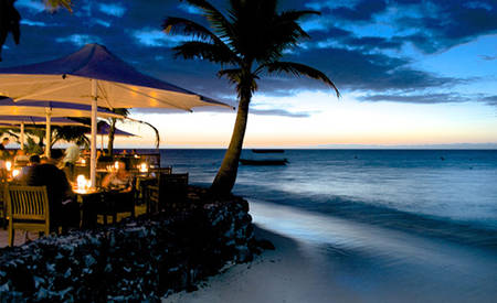 Outrigger _ Castaway _ Waters _ Edge _ Restaurant