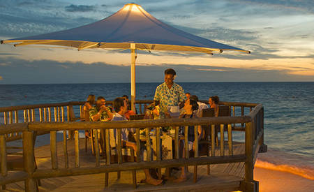 Outrigger_Castaway_Waters_Edge_Restaurant_2
