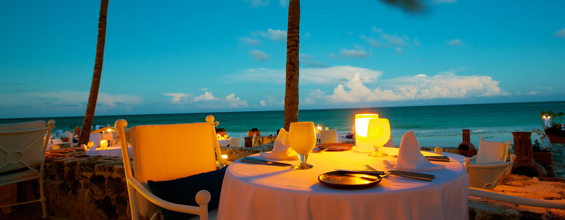 OU-Castaway_Private-Beach-Dinner-for-Two