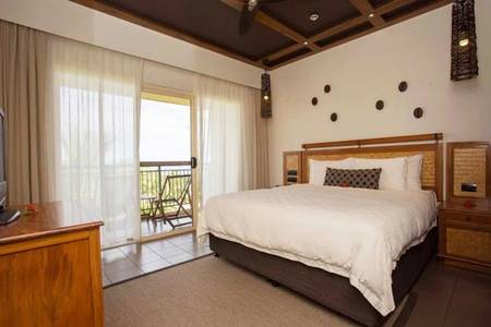 OutriggerFijiBeach _ OSK-Ocean-Breeze-1-Bedroom-Suite