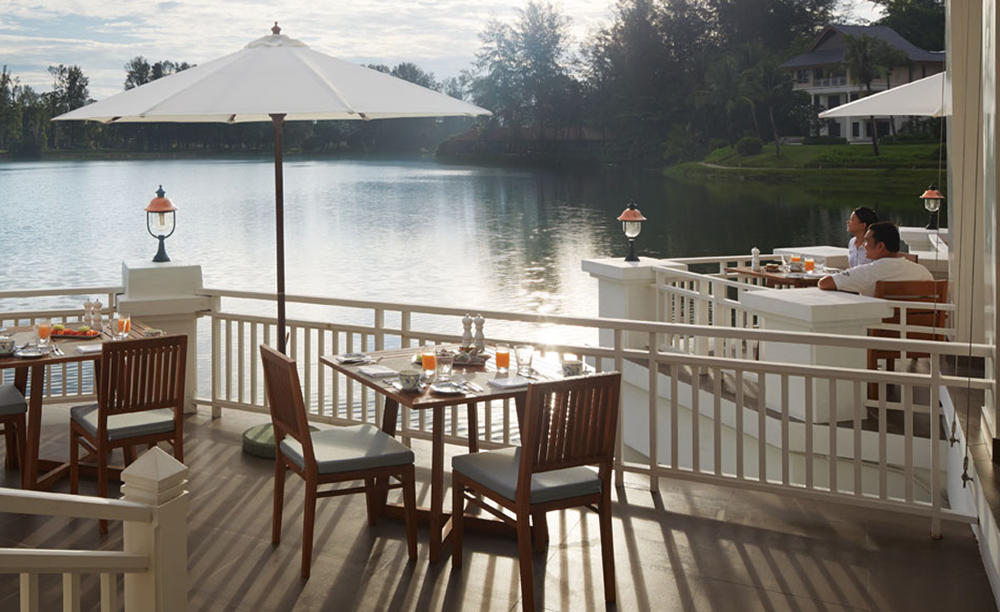 Outrigger_Laguna_Phuket_Beach_Resort_Voyager_47_Club_Lounge