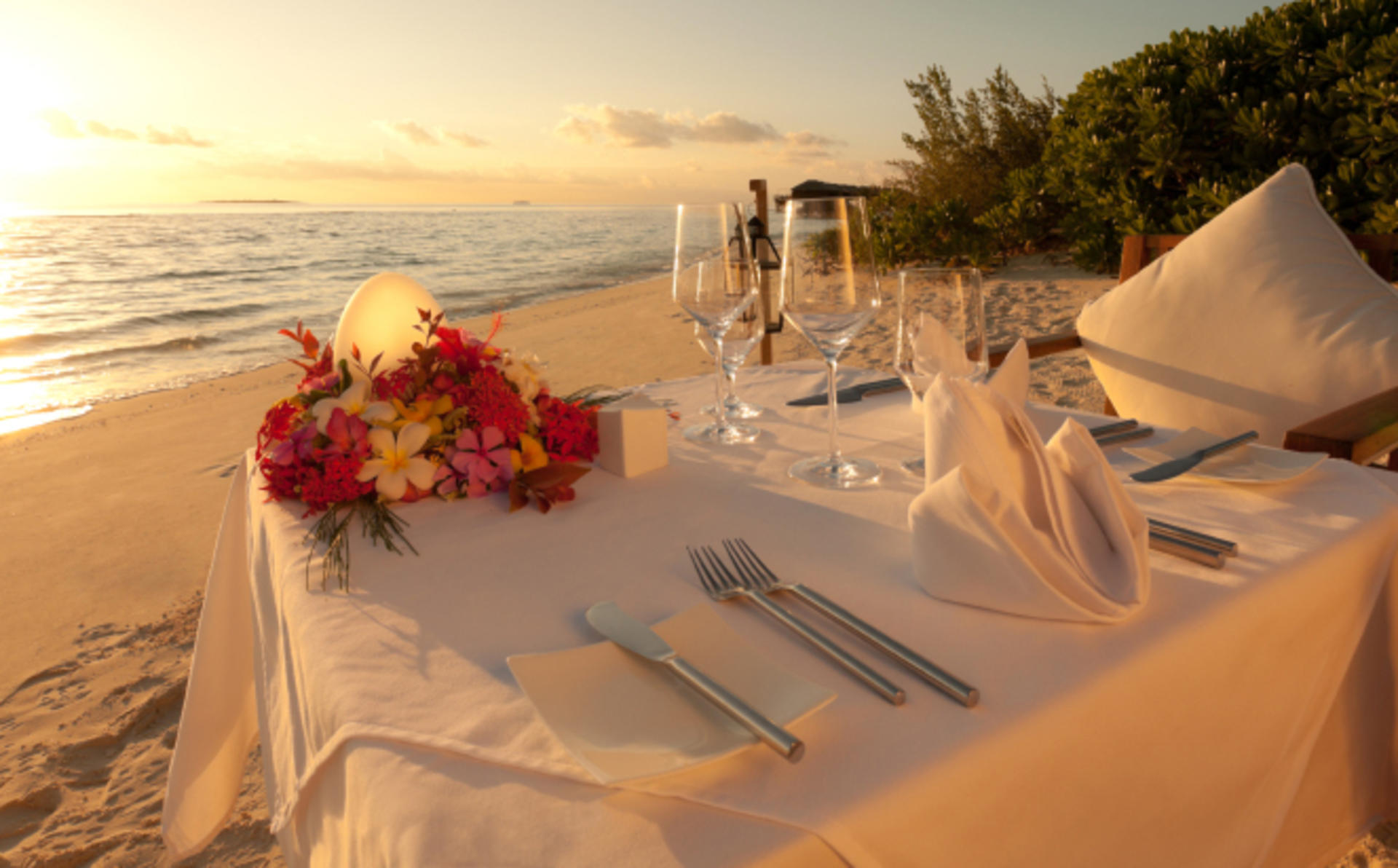 Outrigger-Laguna-Phuket_Private-Beachfront-Dinner