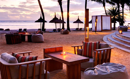 Outrigger_Mauritius_Beach_Resort_Bar_Bleu