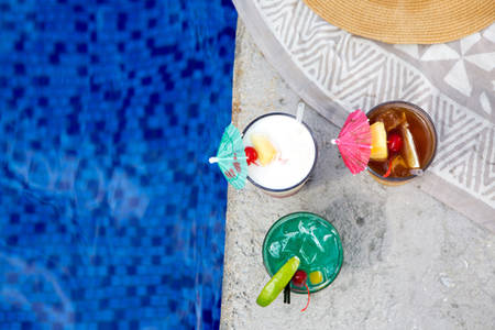 OutriggerReefWaikiBeachResort _ PoolDrinks