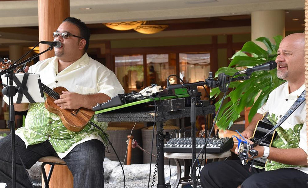 1_Outrigger_Reef Waikiki_Beach_Resort_Kani_Ka_Pila_Grille_Entertainment