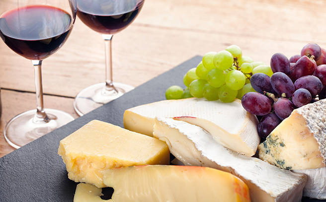 Complimentary Australian Red Wine And Local Cheese Platter