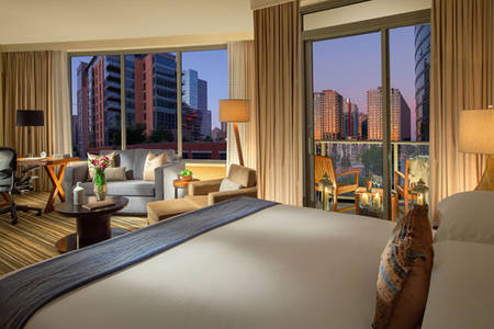 Pan_Pacific_Seattle_Balkon_Studio_Suite_King