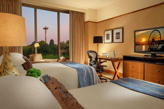 Pan_Pacific_Seattle_Deluxe_Space_Needle_Doppelbetten