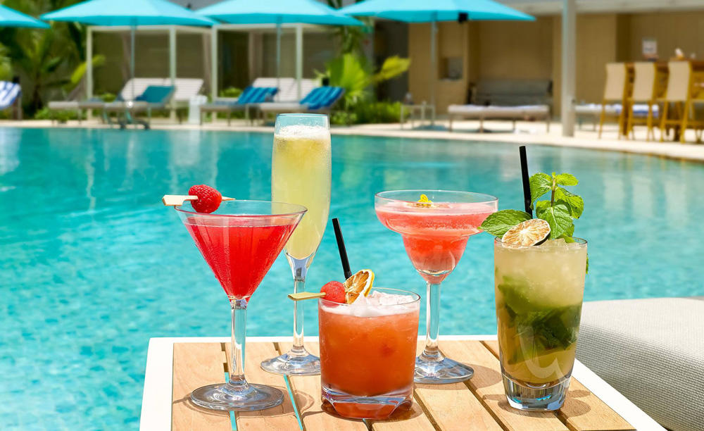 Pan_Pacific_Singapore_Poolside_Bar_Drinks