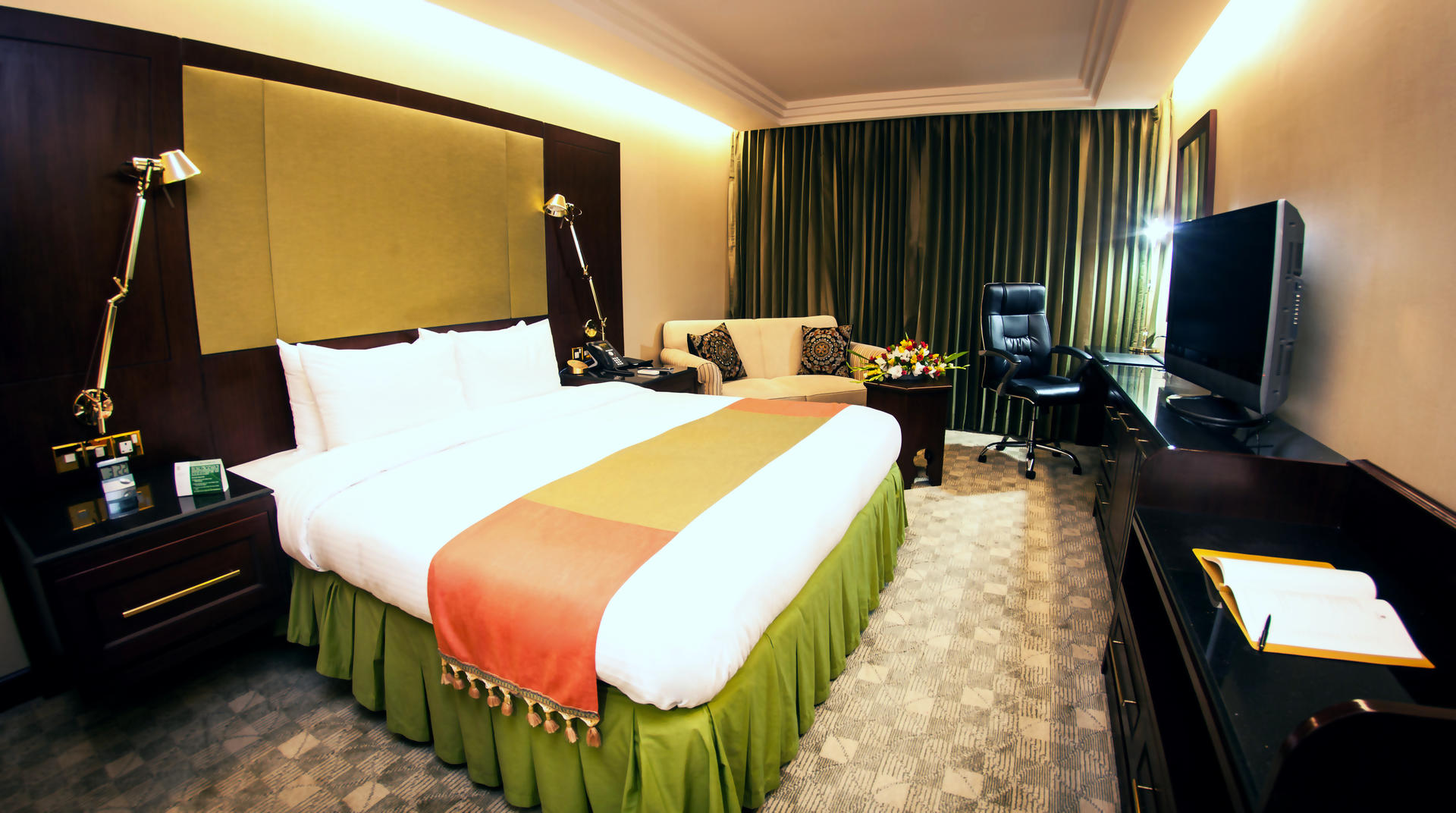 Pan_Pacific_Sonargaon_Dhaka_Deluxe__Room_King.jpg