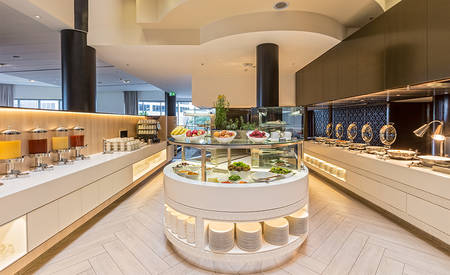 2_Parkroyal_Darling_Harbour_Sydney_Barkers_Restaurant_Buffet