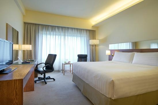 PARKROYAL on Beach Road_OrchidClub_Deluxe_Kingsize-Bett