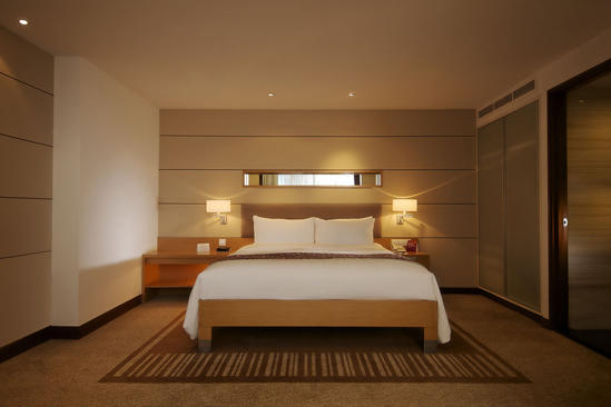 Parkroyal_Saigon_Executive_King_Suite