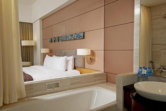 Parkroyal_Saigon_Executive_Twin_Suite