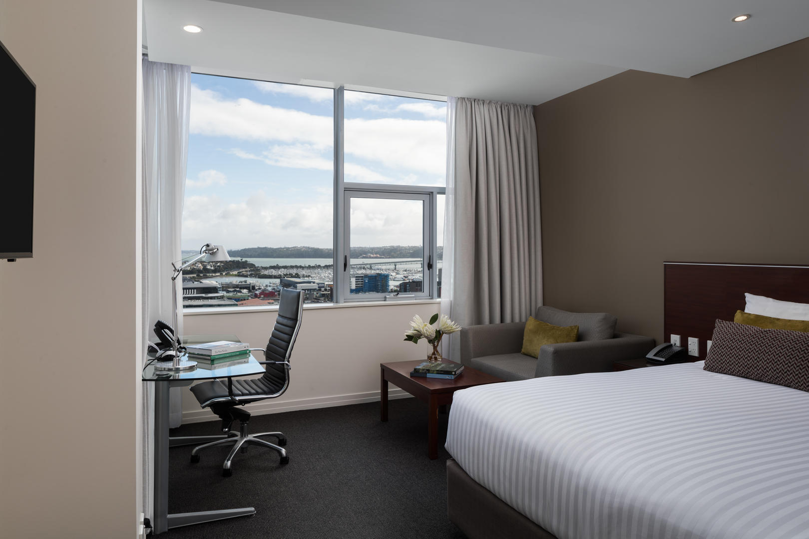 Auckland _ Premium _ Harbour _ View _ King