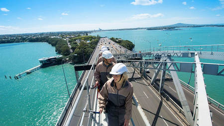 Auckland Bridge steigen