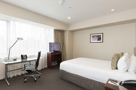 Rydges-Auckland_Deluxe-City-View-King