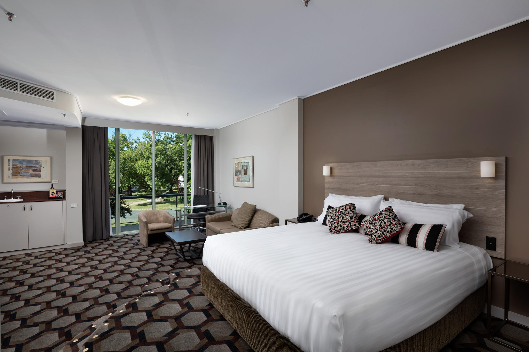 Capital_Hill_Canberra_Executive_King_Suite
