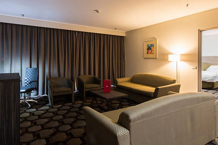 Rydges_Capital_Hill_Embassy_Suite