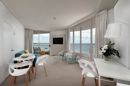 Cronulla _ One _ Bedroom _ Ocean _ View _ Suite