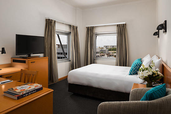 Rydges_ Darwin _Central_queen_room