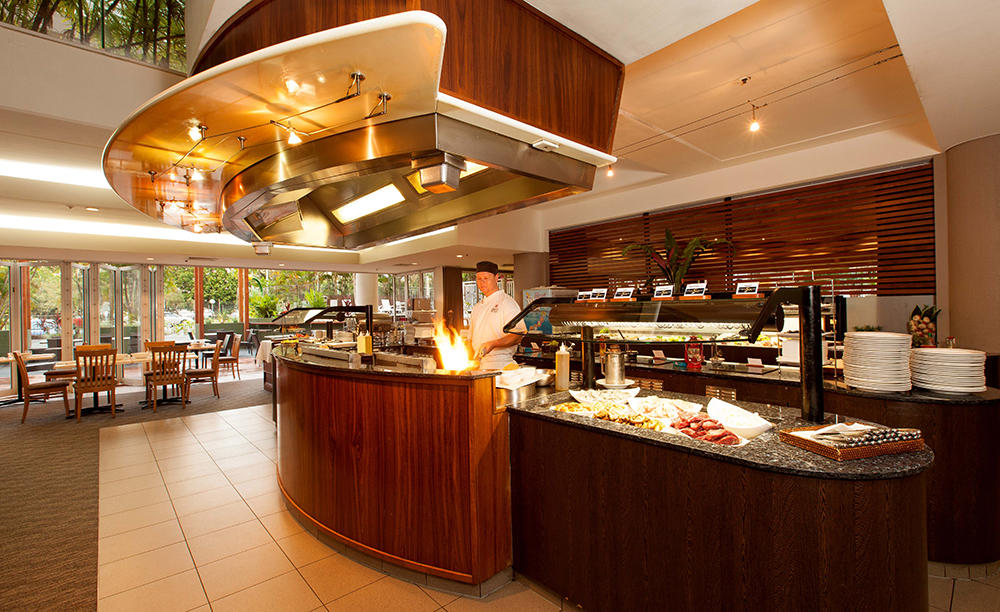 Rydges_Esplanade_Coral_Hedge_Fire_ & _Ice_Seafood_Buffet_Dinner