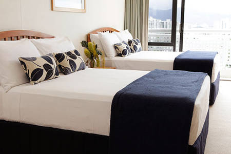 Esplanade _ Resort _ Cairns _ Mountain _ View _ Queen _ Room