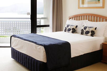 Esplanade _ Resort _ Cairns _ Ocean _ Queen _ Room