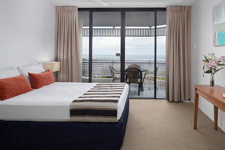 Rydges_Esplanade_Cairns_1_Bedroom_Tower_Apartment