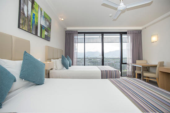 Rydges_Esplanade_Cairns_Garden_View_Room_Twin