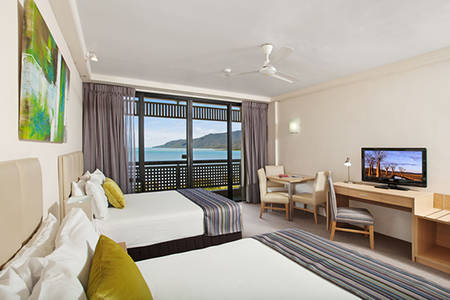 Rydges_Esplanade_Cairns_Ocean_View_Room_Twin