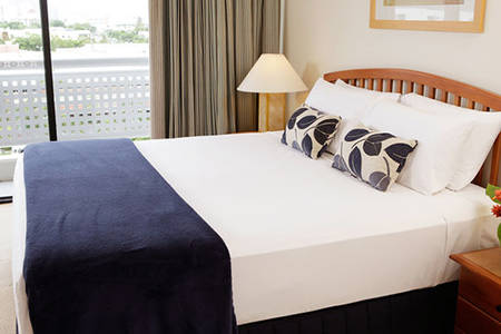Rydges_Esplanade_Cairns_Queen Zimmer