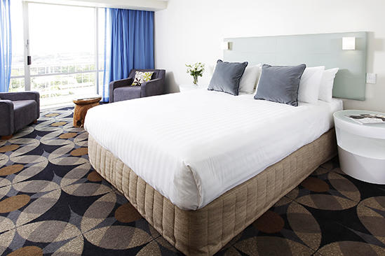 Rydges _ Gladstone _ City _ View _ Room