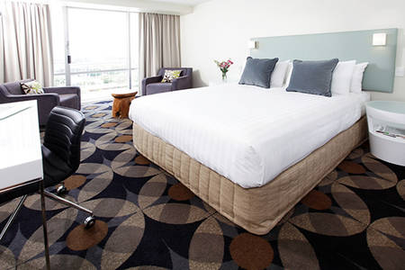 Rydges _ Gladstone _ Habour _ View _ Spa _ Room _ Room
