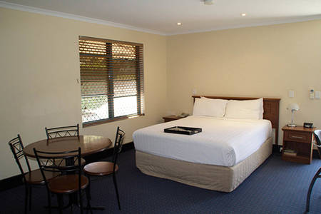 Rydges_Gladstone_Self_Catering_Studio