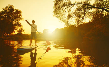 Rydges_Gladstone_Stand-up-Paddle-boarding